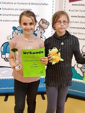 Siegerinnen Lilly und Charlotte DWZ-Cup Wilstermarsch